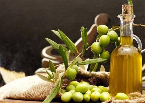 Dầu oliu dưỡng da, cách nhanh nhất cho da trắng mịn và chống lão hóa