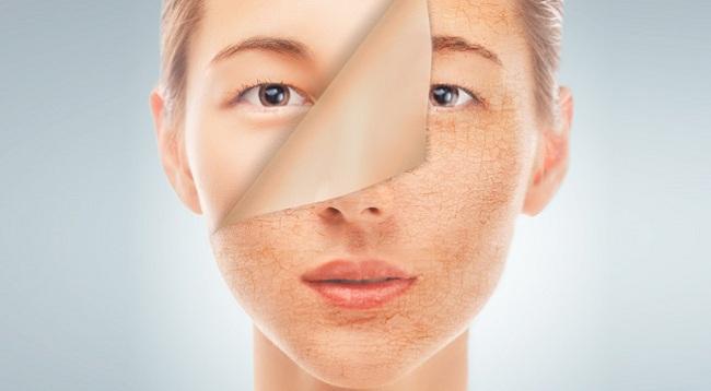Săn chắc da mặt chỉ với… 2 chai nước rỗng?