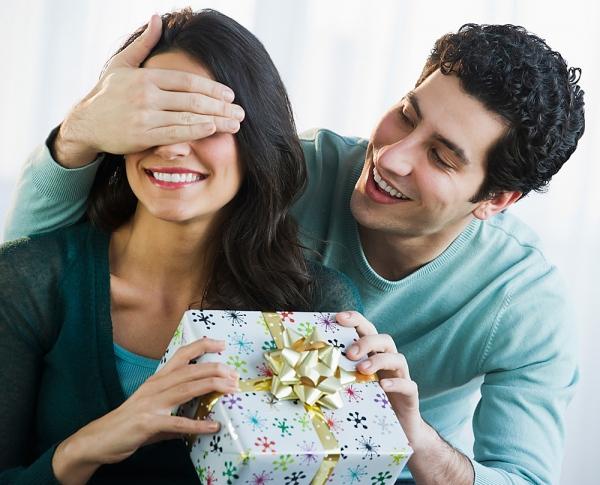 """Bí quyết """"cưa đổ"""" nàng với món quà ý nghĩa trong ngày 20/10"""