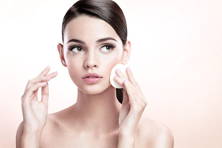 Cách dùng dầu tẩy trang: Sai lầm phổ biến khiến làn da dễ nổi mụn