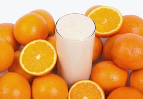 Đắp mặt nạ cam giúp làm da của bạn trắng mịn, cung cấp những dưỡng chất cần thiết