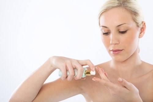 Serum dưỡng da là gì và cách chọn serum phù hợp với từng loại da